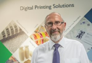 Off-line, in-line or full hybrid printing – what is the best way to convert digitally printed labels?