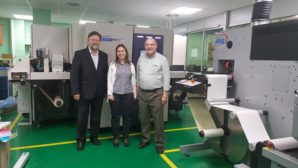 SYSEAM ENHANCES OPERATION AND LABEL OFFERINGWITH FIRST SPANISH SCREEN TRUEPRESS JET L350UV+LM